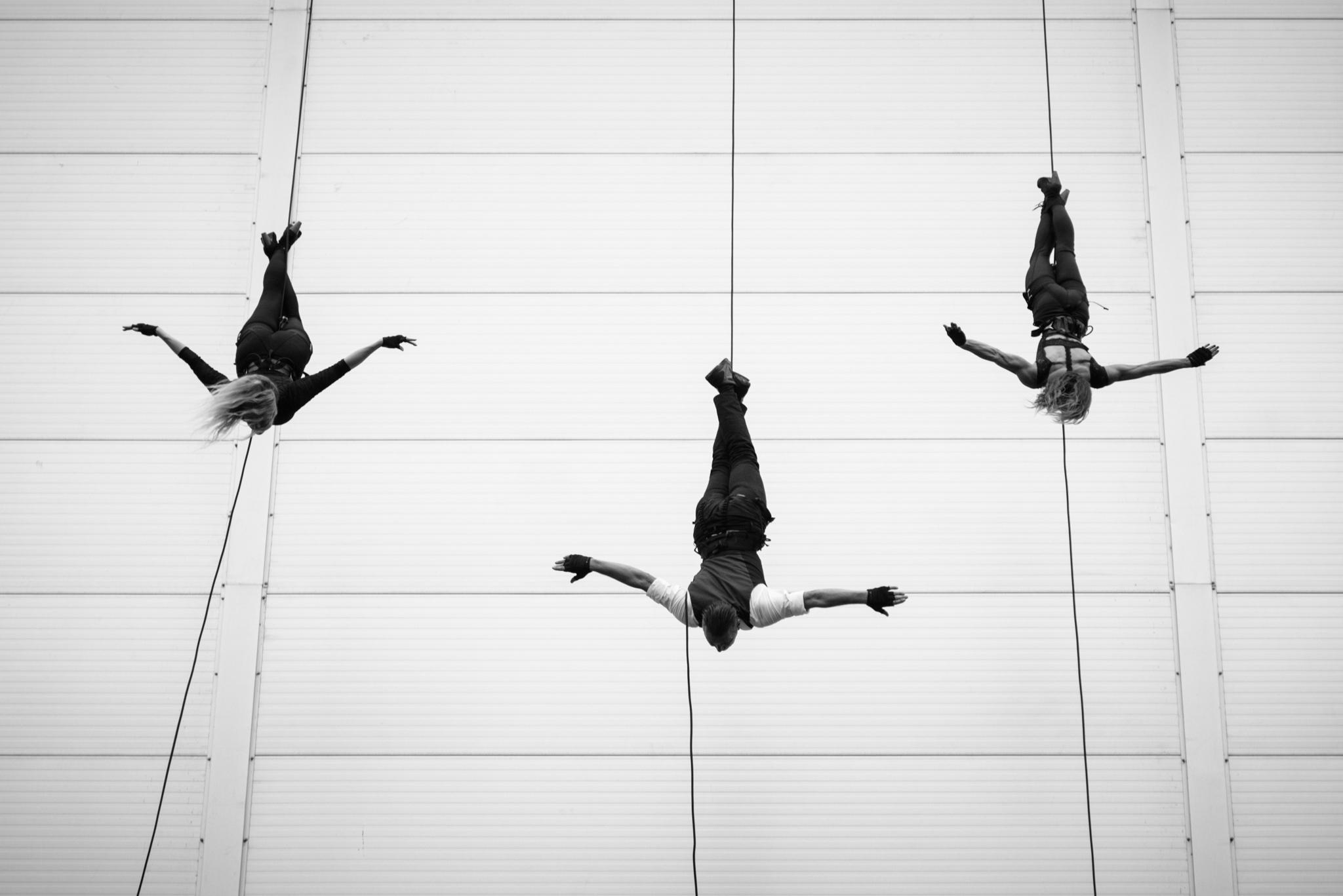 AIRA-home-vertical-wall-dance (3)